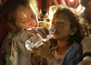 800px-Humanitarian_aid_OCPA-2005-10-28-090517a
